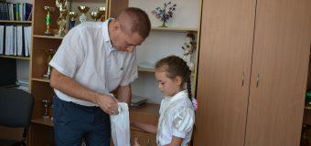 Глава района встретился с девочкой, отец которой погиб во время артобстрела
