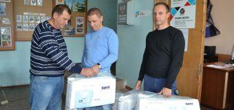 Депутат НС ДНР Александр Банах передал гумпомощь жителям прифронтовых сел района