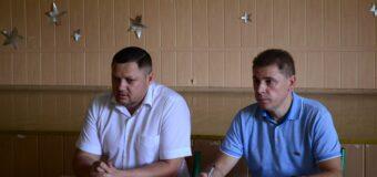 Глава администрации района Александр Спинул и депутат НС ДНР Валерий Скороходов посетили образовательные учреждения района